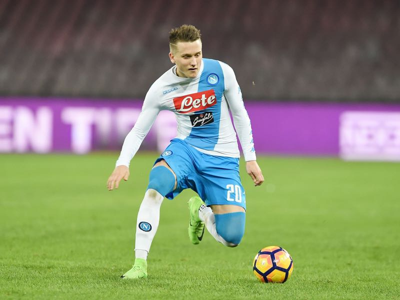 Zielinski of SSC Napoli in action during the Serie A match between SSC Napoli and Genoa CFC at Stadio San Paolo on February 10, 2017 in Naples, Italy. (Photo by Francesco Pecoraro/Getty Images)