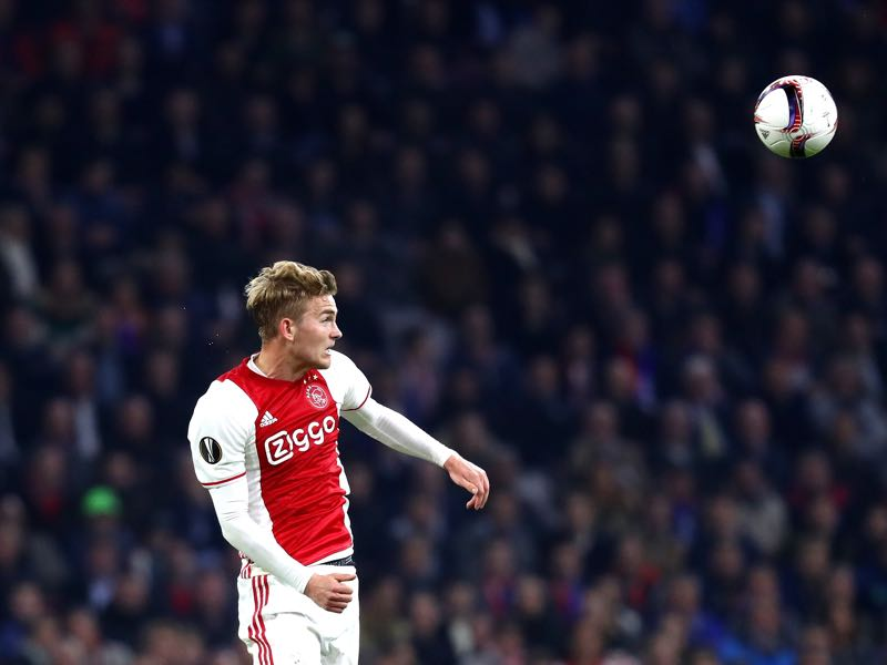 Matthijs de Ligt of Ajax heads the ball during the UEFA Europa League quarter final first leg match between Ajax Amsterdam and FC Schalke 04. (Photo by Dean Mouhtaropoulos/Bongarts/Getty Images)