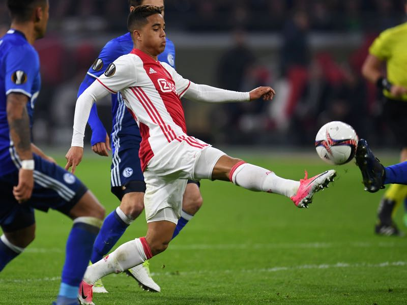 Justin Kluivert is walking in the footsteps of his father Patrick Kluivert. (PATRIK STOLLARZ/AFP/Getty Images)