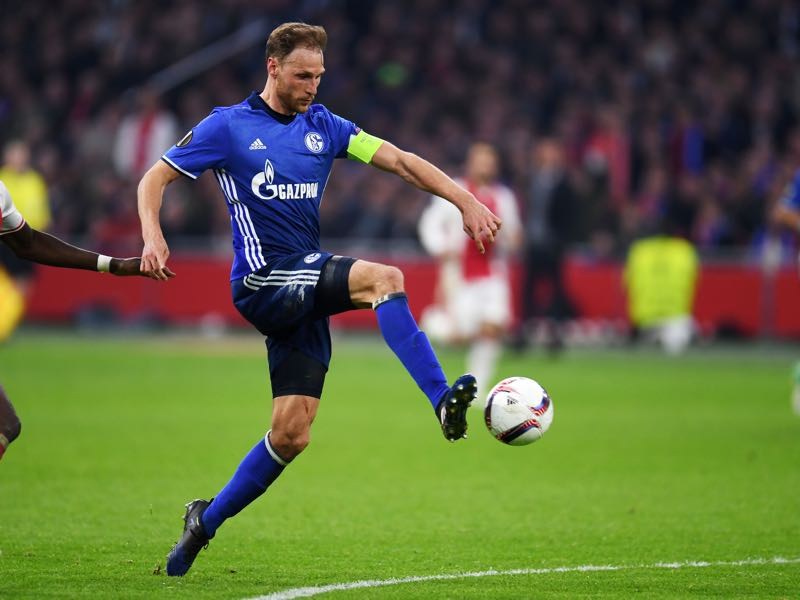 Benedikt Höwedes will be Schalke's key player. (PATRIK STOLLARZ/AFP/Getty Images)