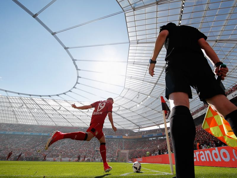 Julian Brandt of Bayer 04 Leverkusen takes a corner during the Bundesliga match between Bayer 04 Leverkusen and 1. FC Koeln at BayArena on May 13, 2017 in Leverkusen, Germany. (Photo by Dean Mouhtaropoulos/Bongarts/Getty Images)