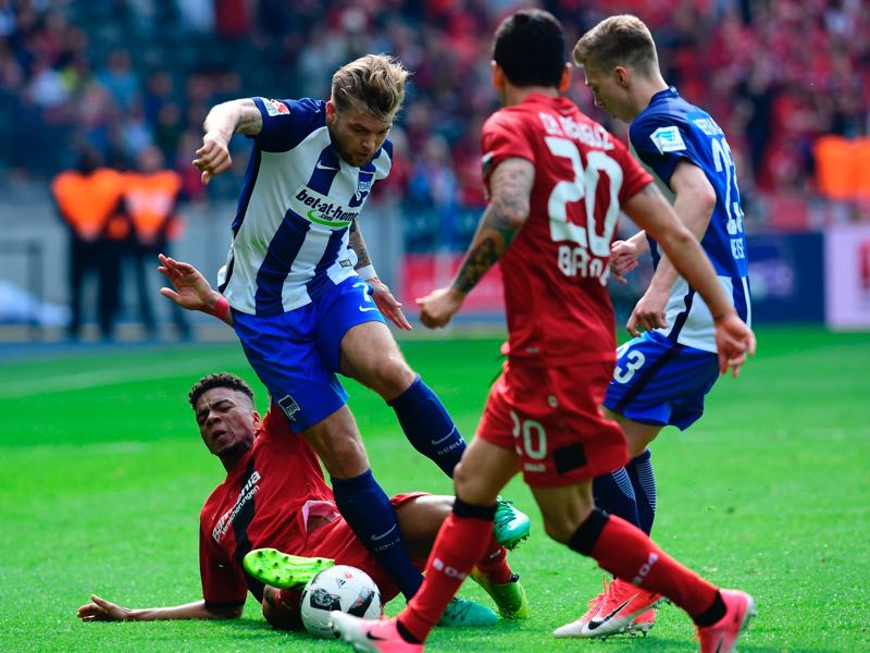 No way through for Hertha. (TOBIAS SCHWARZ/AFP/Getty Images)