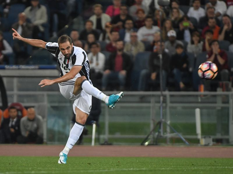 Gonzalo Higuaín will have to show that he can perform in big finals. (ANDREAS SOLARO/AFP/Getty Images)