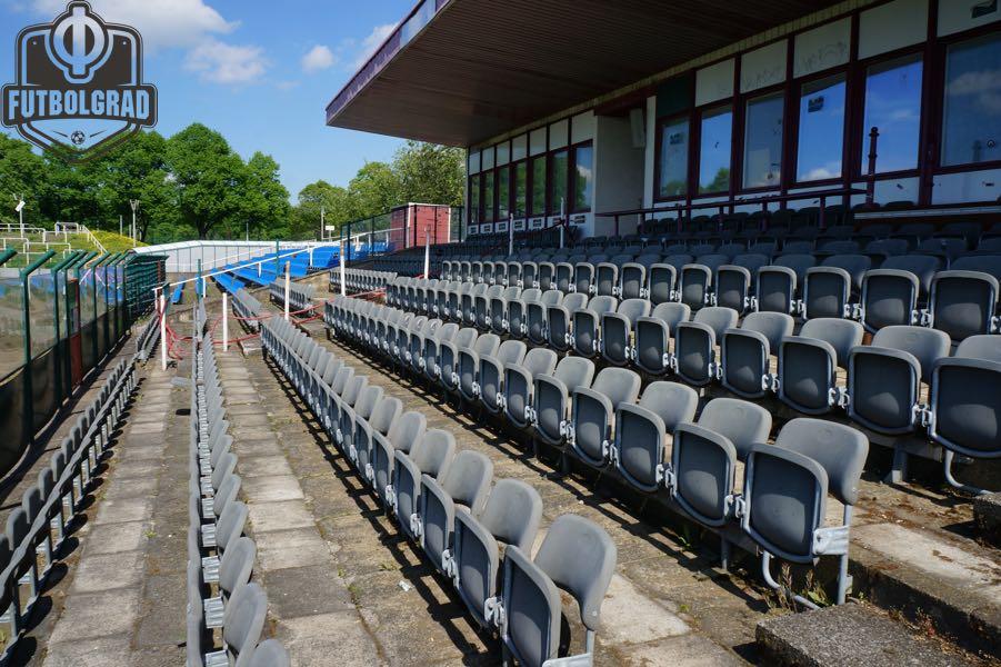 The main stand of das Stadion I'm Sportforum is the traditional home of Dynamo Berlin (Manuel Veth / Futbolgrad Network)