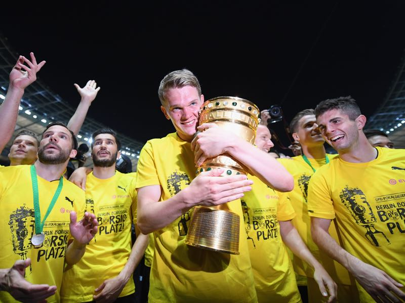 Matthias Ginter is going to leave Dortmund after winning the DFB-Pokal (Photo by Matthias Hangst/Bongarts/Getty Images)