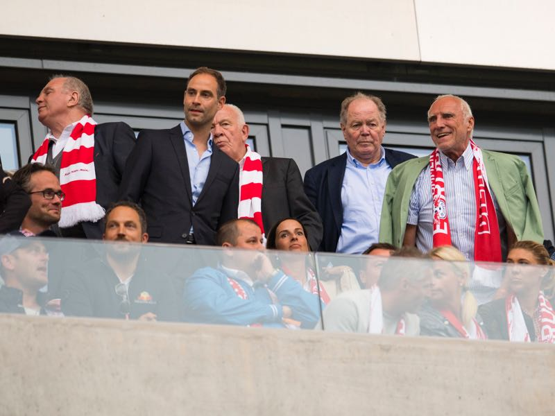 Mateschitz (on the very right at the game against Bayern) has 100% backed sport director Ralf Rangnick. (ROBERT MICHAEL/AFP/Getty Images)