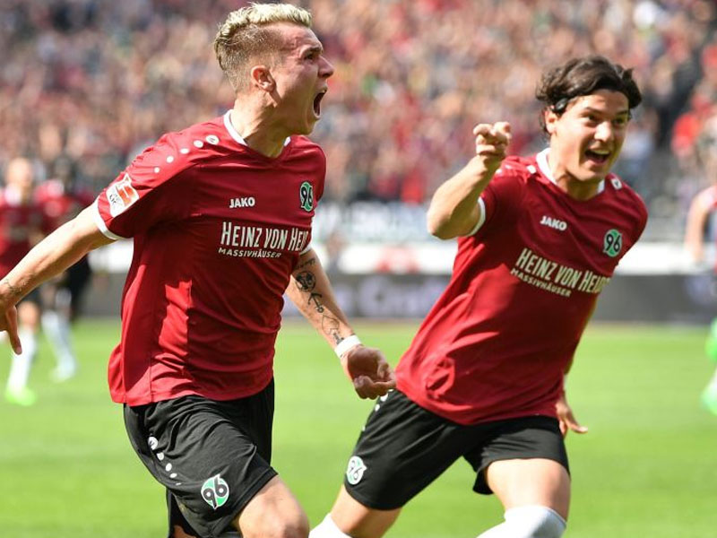 Felix Klaus of Hannover celebrates scoring his goal during the Second Bundesliga match between Hannover 96 and VfB Stuttgart at HDI-Arena on May 14, 2017 in Hanover, Germany. (Photo by Stuart Franklin/Bongarts/Getty Images)