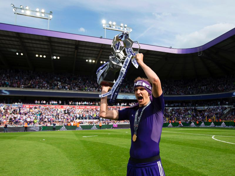 Lukasz Teodorczyk was one of the major reasons for Anderlecht's success last season. (KRISTOF VAN ACCOM/AFP/Getty Images)