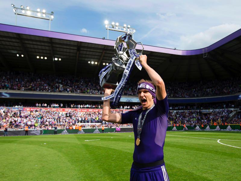 Lukasz Teodorczyk was one of the major reasons for Anderlecht's success last season. (KRISTOF VAN ACCOM/AFP/Getty Images)