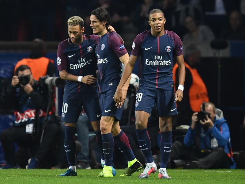 Paris v Bayern 3-0 - Paris Saint-Germain's Neymar, Cavani and Mbappé celebrate as PSG take control of Group B. (FRANCK FIFE/AFP/Getty Images)