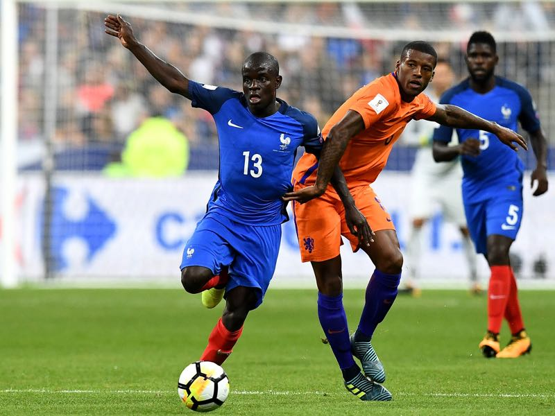 N'Golo Kanté (l.) success with Leicester and Chelsea has recreated the way we see central midfielders (FRANCK FIFE/AFP/Getty Images)