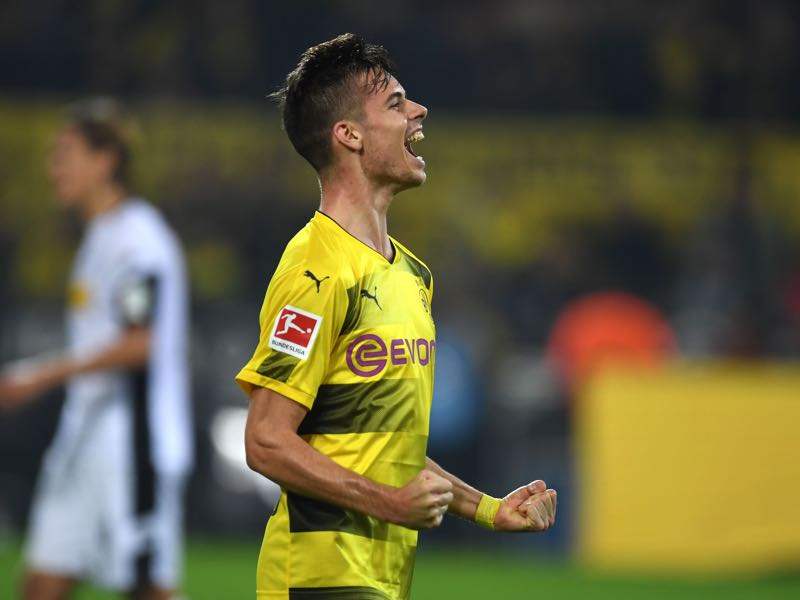 Julian Weigl will be crucial for Dortmund's midfield stability. (PATRIK STOLLARZ/AFP/Getty Images)