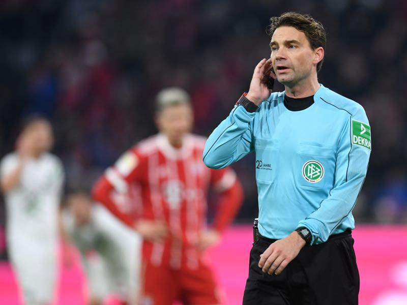 Bayern v Hannover - Referee Guido Winkmann's decisions was the centre of many discussions following the game at the Allianz Arena. (CHRISTOF STACHE/AFP/Getty Images)
