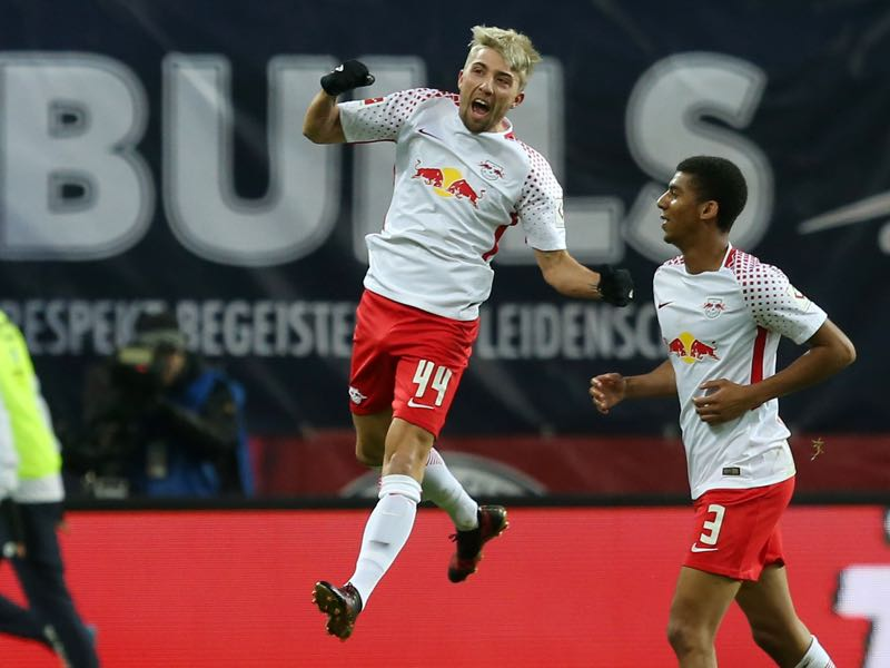 Kevin Kampl (l.) was the player of the game. (Photo by Matthias Kern/Bongarts/Getty Images)