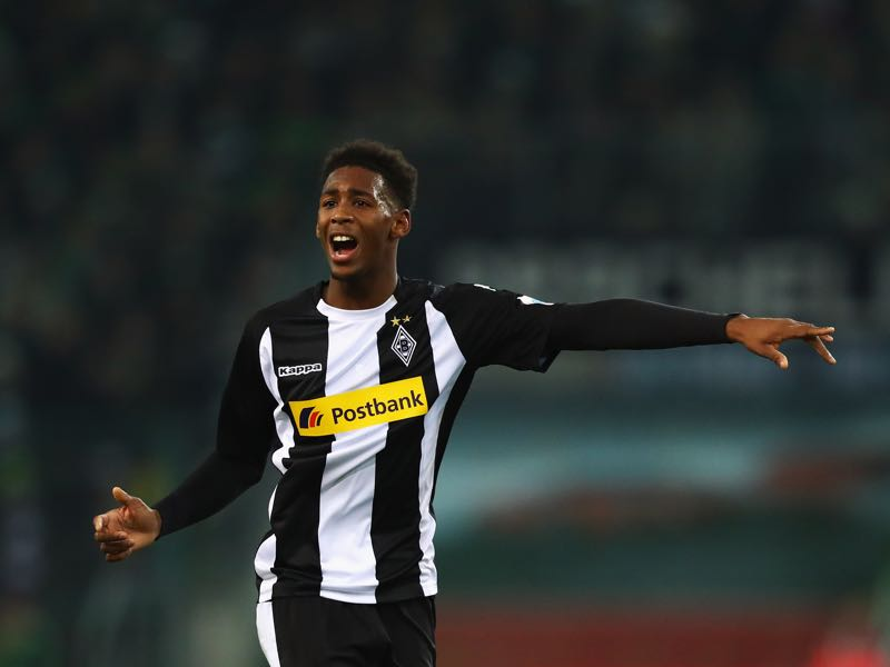 Borussia Mönchengladbach hope that Reece Oxford can add some much needed depth to the defence. Photo by Dean Mouhtaropoulos/Bongarts/Getty Images)