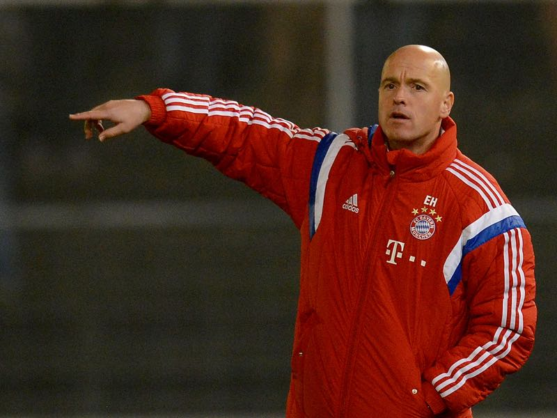 Erik ten Hag worked under Pep Guardiola at Bayern München. Photo by Daniel Kopatsch/Bongarts/Getty Images)