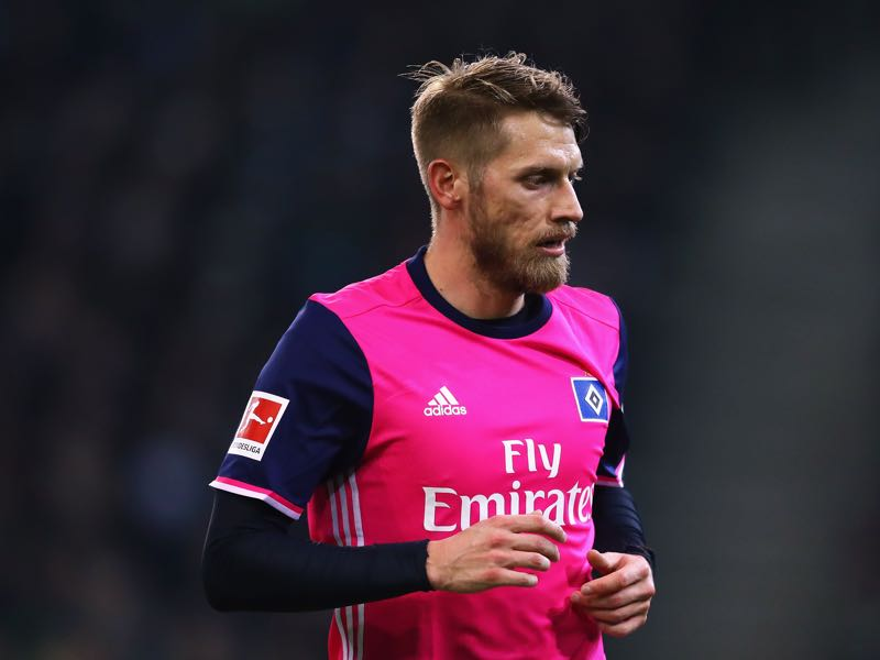 Aaron Hunt will be Hamburg's key player. (Photo by Dean Mouhtaropoulos/Bongarts/Getty Images)