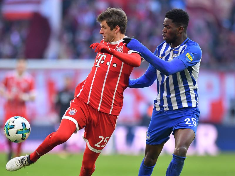 Bayern vs Berlin - Jordan Torunarigha, here against Müller, was excellent for Hertha on Saturday. (Photo by Sebastian Widmann/Bongarts/Getty Images)