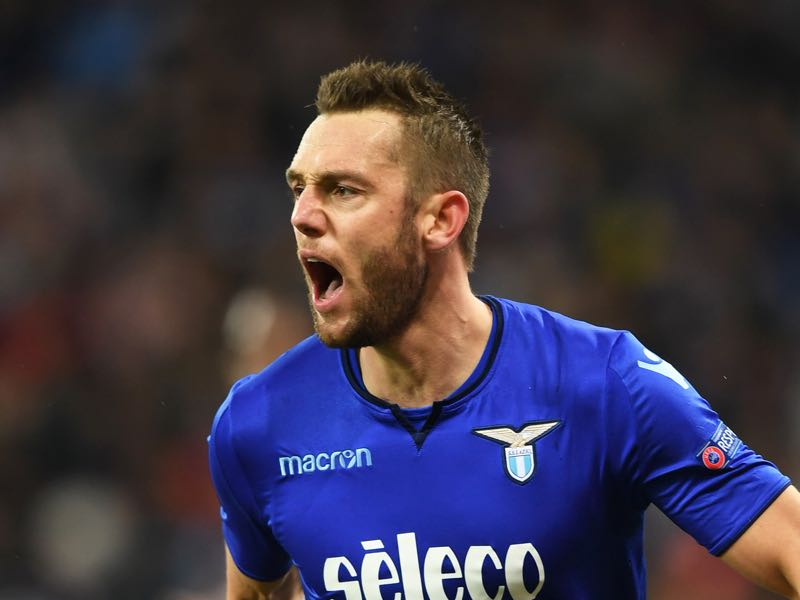 Stefan de Vrij will be a free agent at the end of the season. (SERGEI SUPINSKY/AFP/Getty Images)
