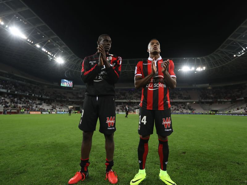 Mario Balotelli (l.) and Alassane Pléa (r.) have formed a fantastic partnership (ALERY HACHE/AFP/Getty Images)
