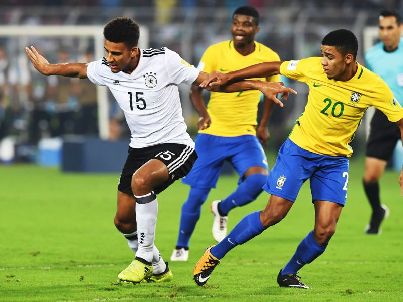 Josha Vagnoman (l.) was part of the Germany U-17 side that was eliminated by Brazil in last fall's U-17 World Cup (DIBYANGSHU SARKAR/AFP/Getty Images)
