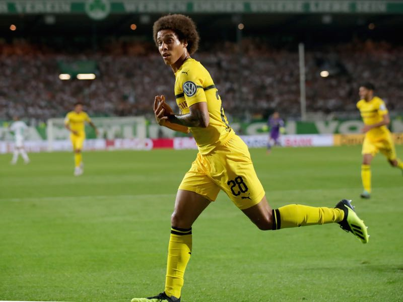 Axel Witsel of Dortmund celebrates scoring the fisrt team goal during the DFB Cup first round match between SpVgg Greuther Fuerth and BVB Borussia Dortmund at Sportpark Ronhof Thomas Sommer on August 20, 2018 in Fuerth, Germany. (Photo by Alexander Hassenstein/Bongarts/Getty Images)