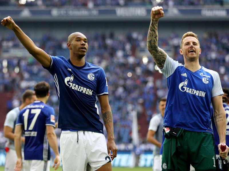 Naldo (l.) and Ralf Fährmann (r.) will be asked to lead Schalke in the Bundesliga this season (Photo by Christof Koepsel/Bongarts/Getty Images)