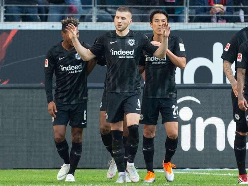 Eintracht Frankfurt v Hannover - Ante Rebic of Frankfurt (2ndL) celebrates after scoring the second goal during the Bundesliga match between Eintracht Frankfurt and Hannover 96 at Commerzbank-Arena. The Croat was the man of the match (Photo by Juergen Schwarz/Bongarts/Getty Images)