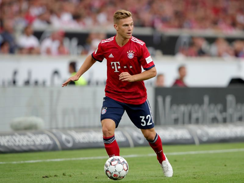 Joshua Kimmich of FC Bayern Muenchen runs with the ball during the Bundesliga match between VfB Stuttgart and FC Bayern Muenchen at Mercedes-Benz Arena on September 1, 2018 in Stuttgart, Germany. (Photo by Alexander Hassenstein/Bongarts/Getty Images)