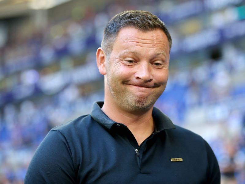 Head coach Pal Dardai of Berlin looks on prior to the Bundesliga match between FC Schalke 04 and Hertha BSC at Veltins-Arena on September 2, 2018 in Gelsenkirchen, Germany. (Photo by Christof Koepsel/Bongarts/Getty Images)