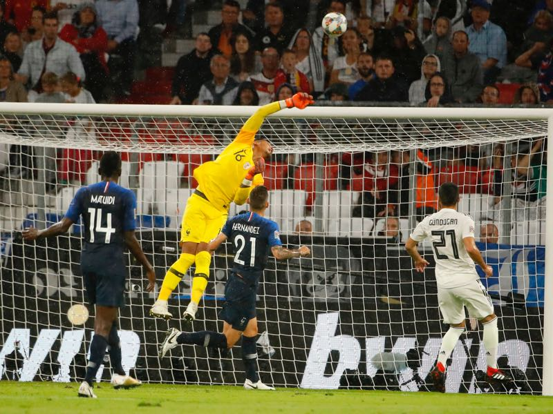 Germany v France -France's goalkeeper Alphonse Areola makes a save during the UEFA Nations League football match Germany against France on September 6, 2018 in Munich, southern Germany. (Photo by Odd ANDERSEN / AFP) (Photo credit should read ODD ANDERSEN/AFP/Getty Images)