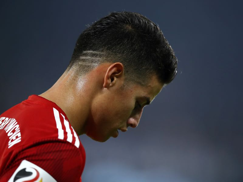 Schalke v Bayern München James Rodriguez of Bayern Munich looks on during the Bundesliga match between FC Schalke 04 and FC Bayern Muenchen at Veltins-Arena on September 22, 2018 in Gelsenkirchen, Germany. (Photo by Maja Hitij/Bongarts/Getty Images)