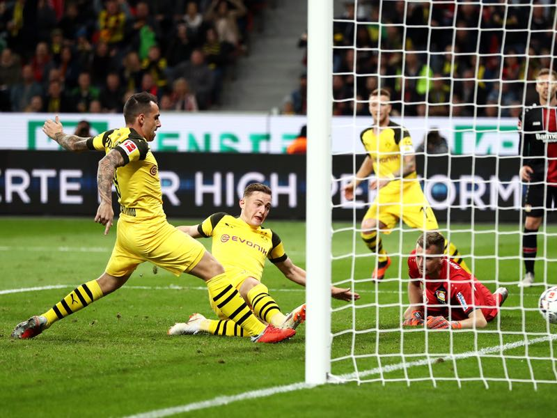 Leverkusen v Dortmund - Jacob Bruun Larsen of Borussia Dortmund scores his sides opening goal to make the score 2-1 during the Bundesliga match between Bayer 04 Leverkusen and Borussia Dortmund at BayArena on September 29, 2018 in Leverkusen, Germany. (Photo by Lars Baron/Bongarts/Getty Images)
