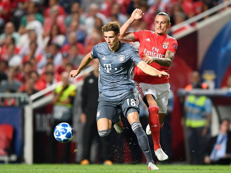Leon Goretzka of Bayern Munich is challenged by Ljubomir Fejsa of Benfica during the Group E match of the UEFA Champions League between SL Benfica and FC Bayern Muenchen at Estadio da Luz on September 19, 2018 in Lisbon, Portugal. (Photo by Octavio Passos/Getty Images)