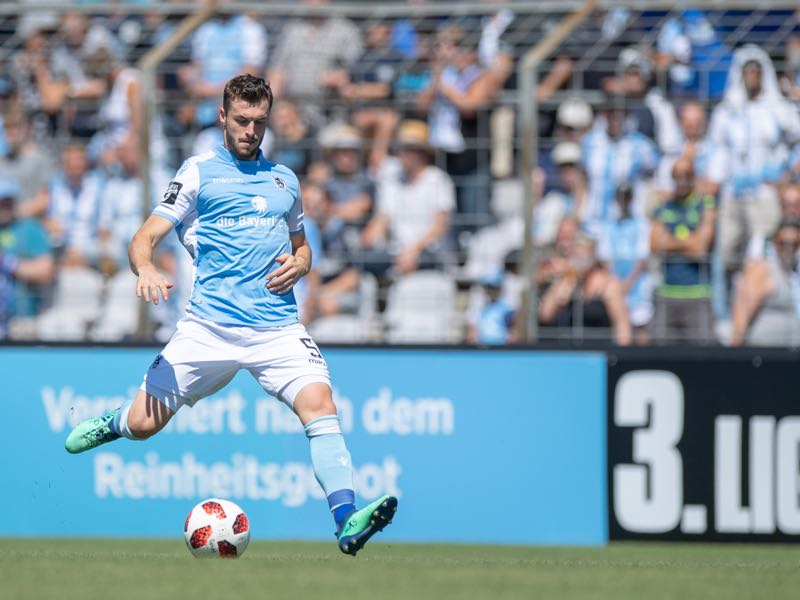 Quirin Moll of 1860 Muenchen plays the ball during the 3. Liga match between TSV 1860 Muenchen and KFC Uerdingen 05 at Stadion an der Gruenwalder Strasse on August 12, 2018 in Munich, Germany. (Photo by Sebastian Widmann/Bongarts/Getty Images)