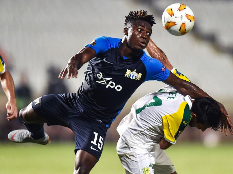 FC Zürich's Nigerian forward Stephen Odey (L) vies for the ball against AEK Larnaca's Spanish midfielder Tete during the Europa League Group A match between AEK Larnaca and FC Zurich at the GSP stadium in the Cypriot capital Nicosia on September 20, 2018. (Photo by GEORGE MICHAEL / AFP)