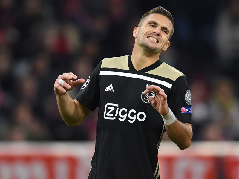Bayern v Ajax - Serbian forward Dusan Tadic reacts during the UEFA Champions League Group E football match between Bayern Munich and Ajax Amsterdam in Munich, southern Germany, on October 2, 2018. (Photo by Christof STACHE / AFP)
