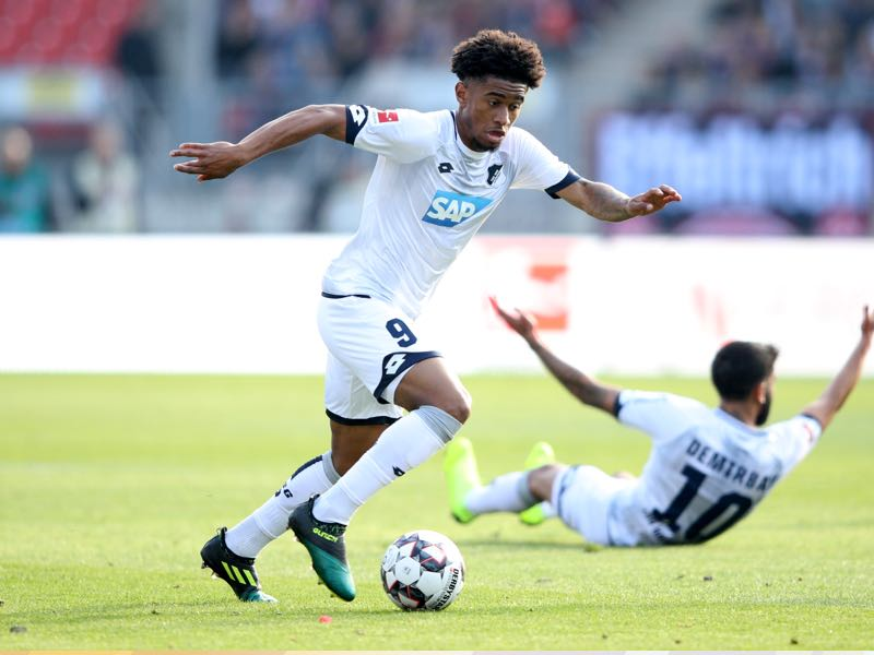Reiss Nelson of 1899 Hoffenheim runs with the ball during the Bundesliga match between 1. FC Nuernberg and TSG 1899 Hoffenheim at Max-Morlock-Stadion on October 20, 2018 in Nuremberg, Germany. (Photo by Adam Pretty/Bongarts/Getty Images)