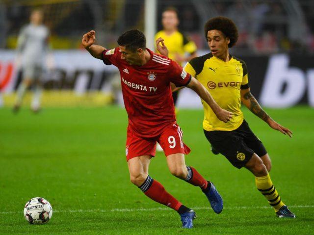 Axel Witsel chases down Robert Lewandowski - Borussia Dortmund vs Bayern München