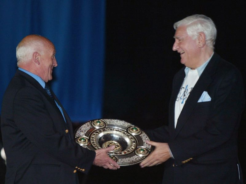 Peter Grosser and Petar Radenković at an event in 2004. The two won the championship with the club in 1966 and were main protagonists during the 1860 vs Real Madrid matchup (Photo by Sandra Behne/Bongarts/Getty Images)
