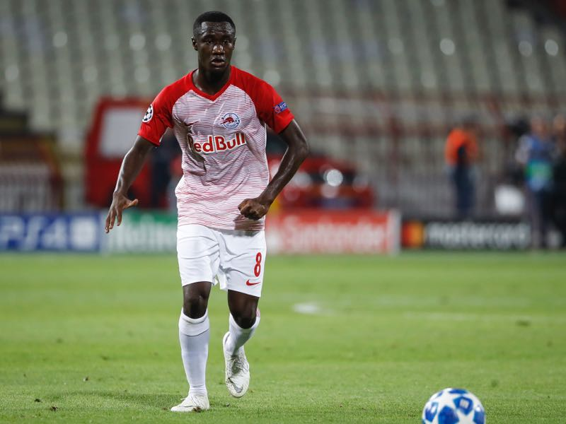 Diadie Samassekou of Red Bull Salzburg in action during the UEFA Champions League Play Off First Leg match between FK Crvema Zvezda and FC Red Bull Salzburg at Rajko Mitic Stadium on August 21, 2018 in Belgrade, Serbia. (Photo by Srdjan Stevanovic/Getty Images)