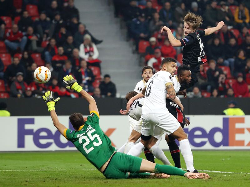 Leverkusen v Zürich - Tin Jedvaj of Bayer 04 Leverkusen scores his team's first goal past Yanick Brecher of FC Zurich (25) during the UEFA Europa League Group A match between Bayer 04 Leverkusen and FC Zurich at BayArena on November 8, 2018 in Leverkusen, Germany. (Photo by Maja Hitij/Getty Images)