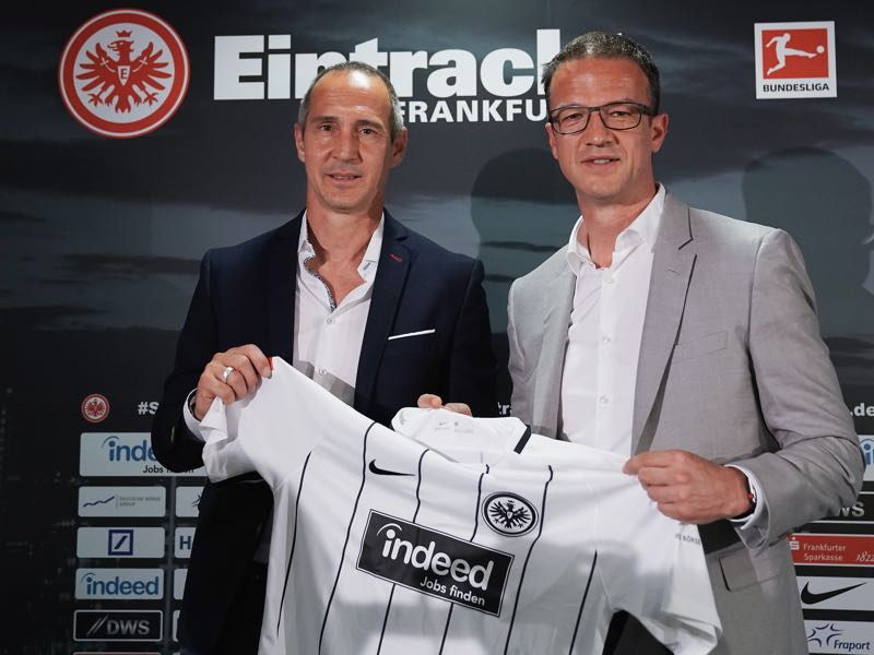 Adi Hütter poses with Fredi Bobic during his presentation as new head coach of Eintracht Frankfurt at Commerzbank-Arena on May 30, 2018 in Frankfurt am Main, Germany. (Photo by Alex Grimm/Bongarts/Getty Images)
