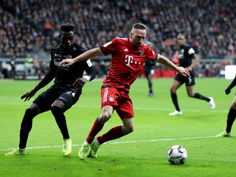 Frankfurt v Bayern - Franck Ribery of Bayern Munich battles for possession with Danny Da Costa of Eintracht Frankfurt during the Bundesliga match between Eintracht Frankfurt and FC Bayern Muenchen at Commerzbank-Arena on December 22, 2018 in Frankfurt am Main, Germany. (Photo by Simon Hofmann/Bongarts/Getty Images)