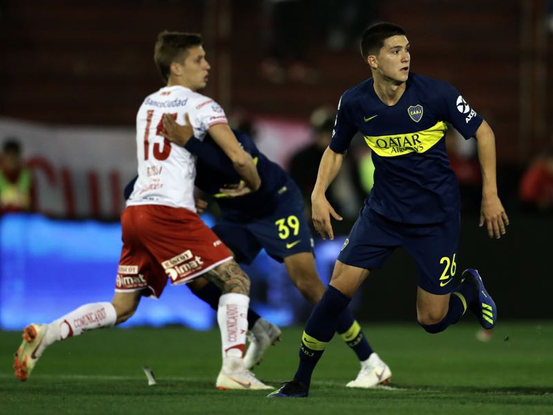 Leonardo Balerdi Boca Juniors' defender Leonardo Balerdi (R) waits for the ball during an Argentina First Division Superliga football match against Huracan at Huracan Tomas A. Duco stadium in Buenos Aires, on August 26, 2018. (Photo by ALEJANDRO PAGNI / AFP)