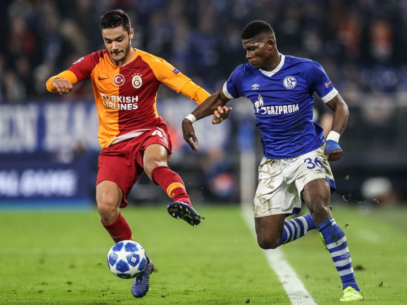 Breel Embolo of FC Schalke 04 is challenged by Ozan Kabak #43 of Galatasaray during the Group D match of the UEFA Champions League between FC Schalke 04 and Galatasaray at Veltins-Arena on November 6, 2018 in Gelsenkirchen, Germany. (Photo by Maja Hitij/Bongarts/Getty Images)
