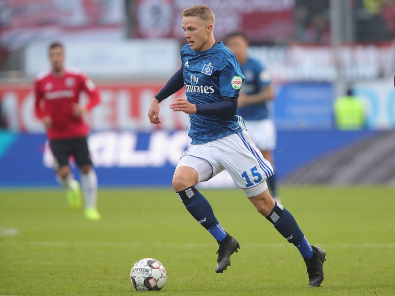 Jann-Fiete Arp of Hamburg runs with the ball during the Second Bundesliga match between FC Ingolstadt 04 and Hamburger SV at Audi Sportpark on December 1, 2018 in Ingolstadt, Germany. (Photo by Alexander Hassenstein/Bongarts/Getty Images)