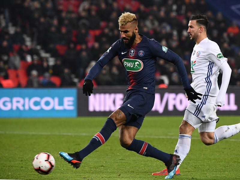 Paris Saint-Germain's Cameroon forward Eric Maxim Choupo-Moting shoots the ball during the French Cup round of 32 football match between Paris Saint-Germain (PSG) and Strasbourg (RCS) at the Parc des Princes stadium in Paris on January 23, 2019. (Photo by FRANCK FIFE / AFP)