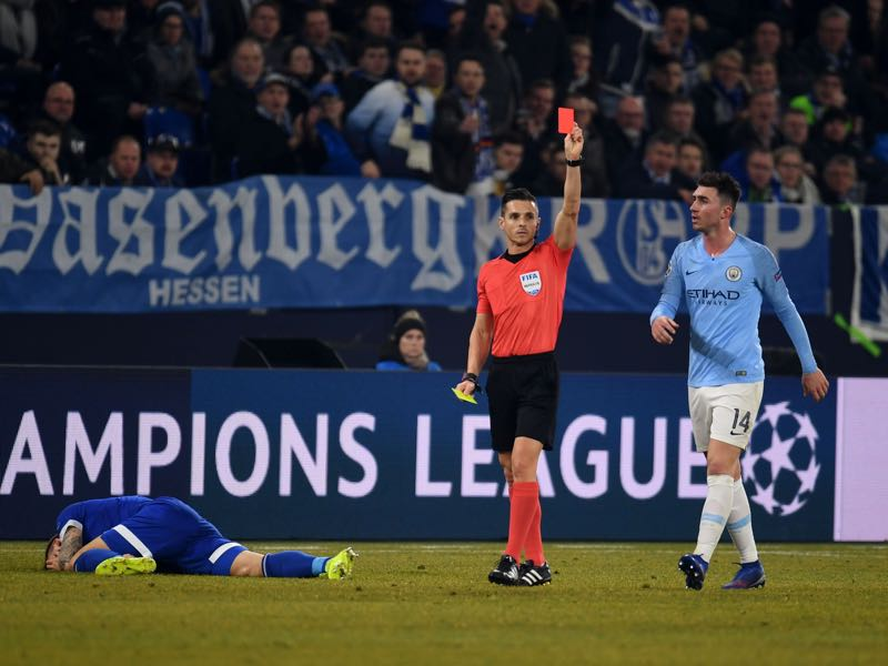 Schalke v Manchester City - Spanish Referee Carlos Del Cerro Grande shows the red card to Manchester City's Argentinian defender Nicolas Otamendi during the UEFA Champions League round of 16 first leg football match between Schalke 04 and Manchester City on February 20, 2019 in Gelsenkirchen, Germany. (Photo by Patrik STOLLARZ / AFP)