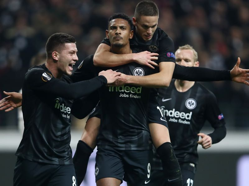 Frankfurt v Shakhtar Donetsk - Sebastien Haller of Eintracht Frankfurt celebrates with teammates after scoring his team's second goal during the UEFA Europa League Round of 32 Second Leg match between Eintracht Frankfurt and Shakhtar Donetsk at Commerzbank-Arena on February 21, 2019 in Frankfurt am Main, Germany. (Photo by Alex Grimm/Getty Images)
